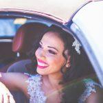 άφιξη νύφης στην εκκλησία με αυτοκίνητο