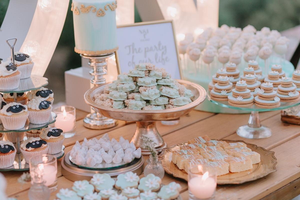 Μπισκότα γάμου σε χρώμα μέντας