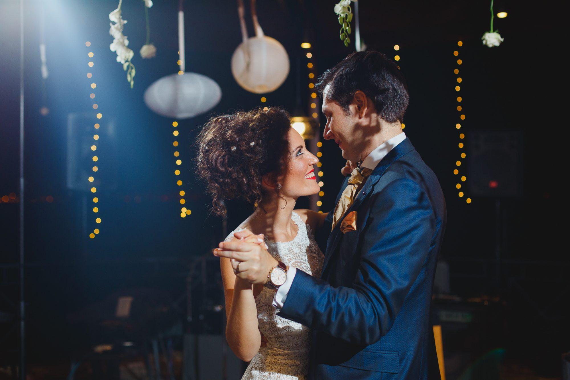 Chic wedding at Wyndham Loutraki Poseidon Resort