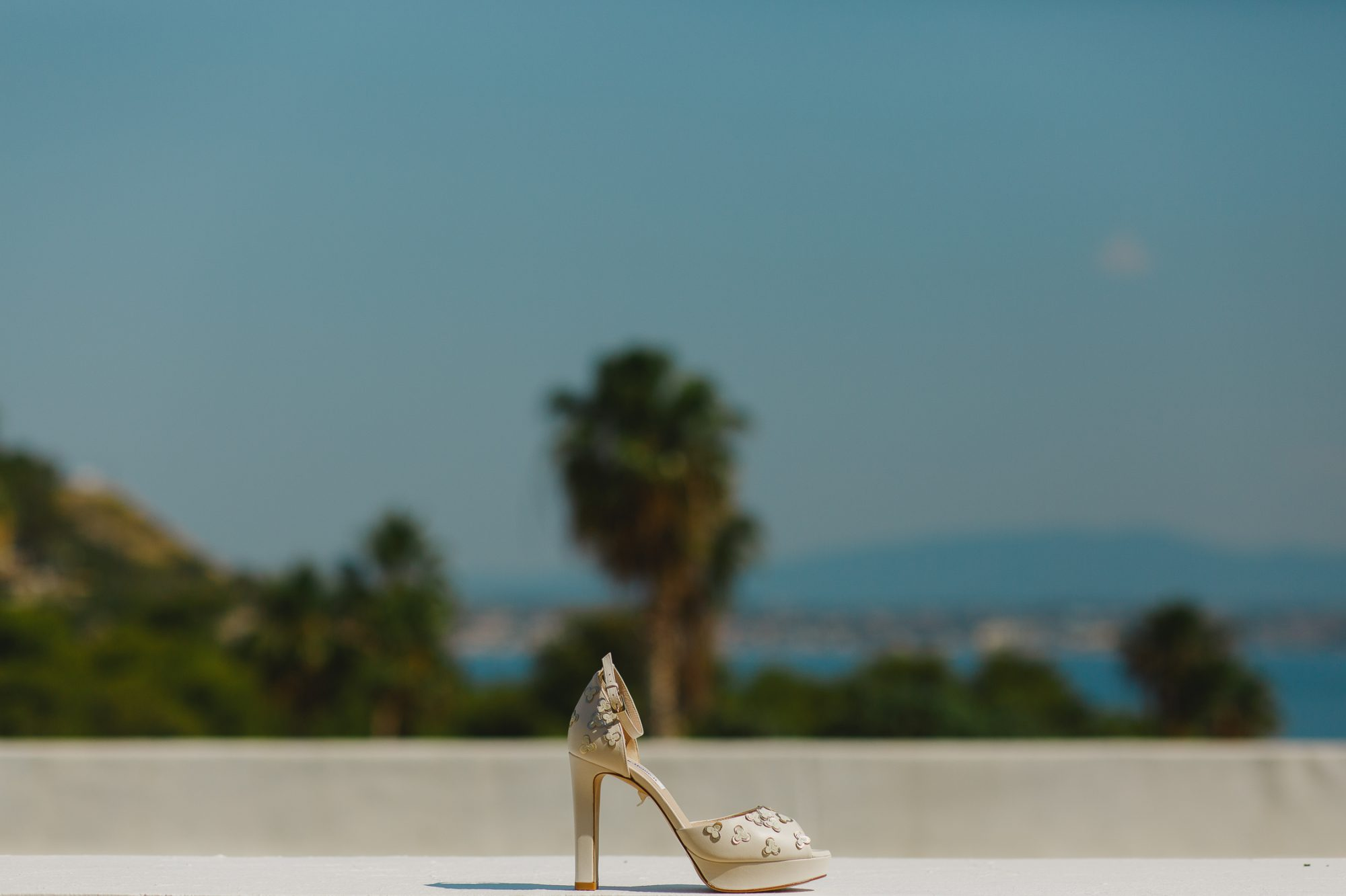 Chic wedding at Wyndham Loutraki Poseidon Resort
