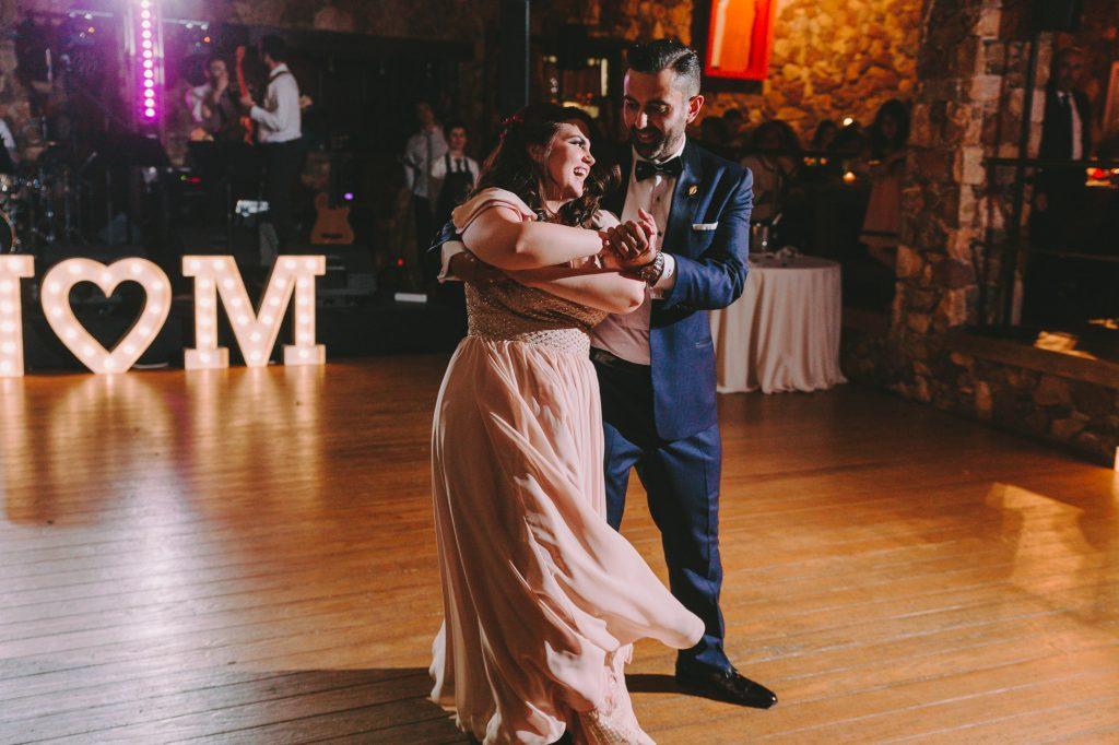 Ρομαντικός rustic γάμος στο κτήμα Λάας