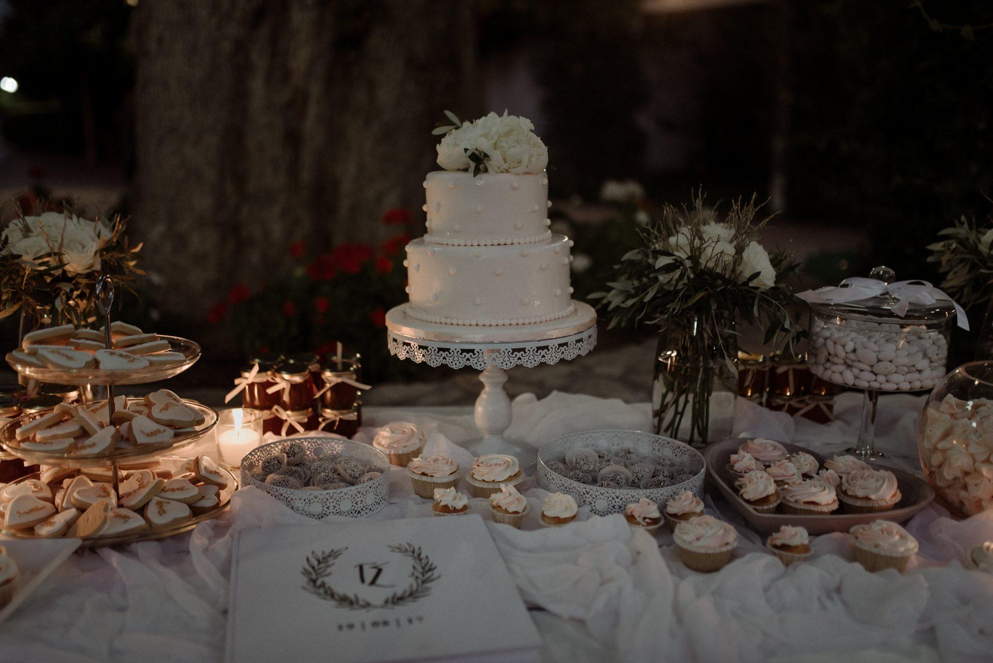 A stunning civil wedding in Crete