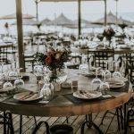 Μοντέρνος και απλός γάμος με rustic στοιχεία