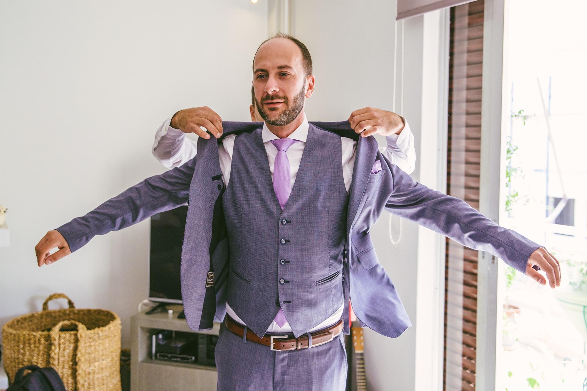 8318b95f573c 5+1 Υπέροχες εναλλακτικές λύσεις για το κοστούμι του γαμπρού ...