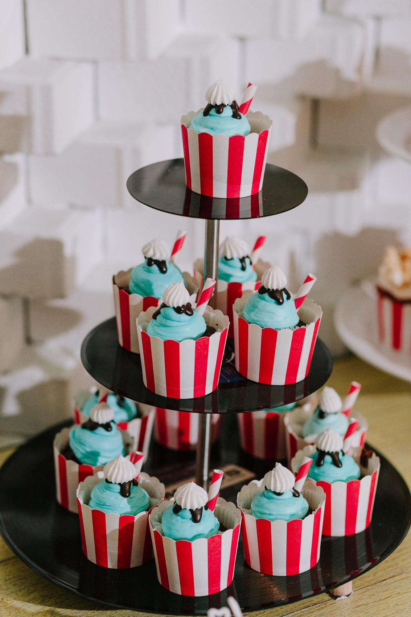 Cupcakes γάμου με χρώμα μέντας