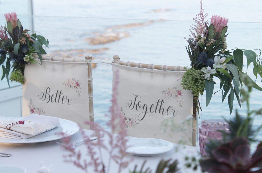 Πινακίδες για τις καρέκλες της νύφης και του γαμπρού Fairytales come true by Vicky