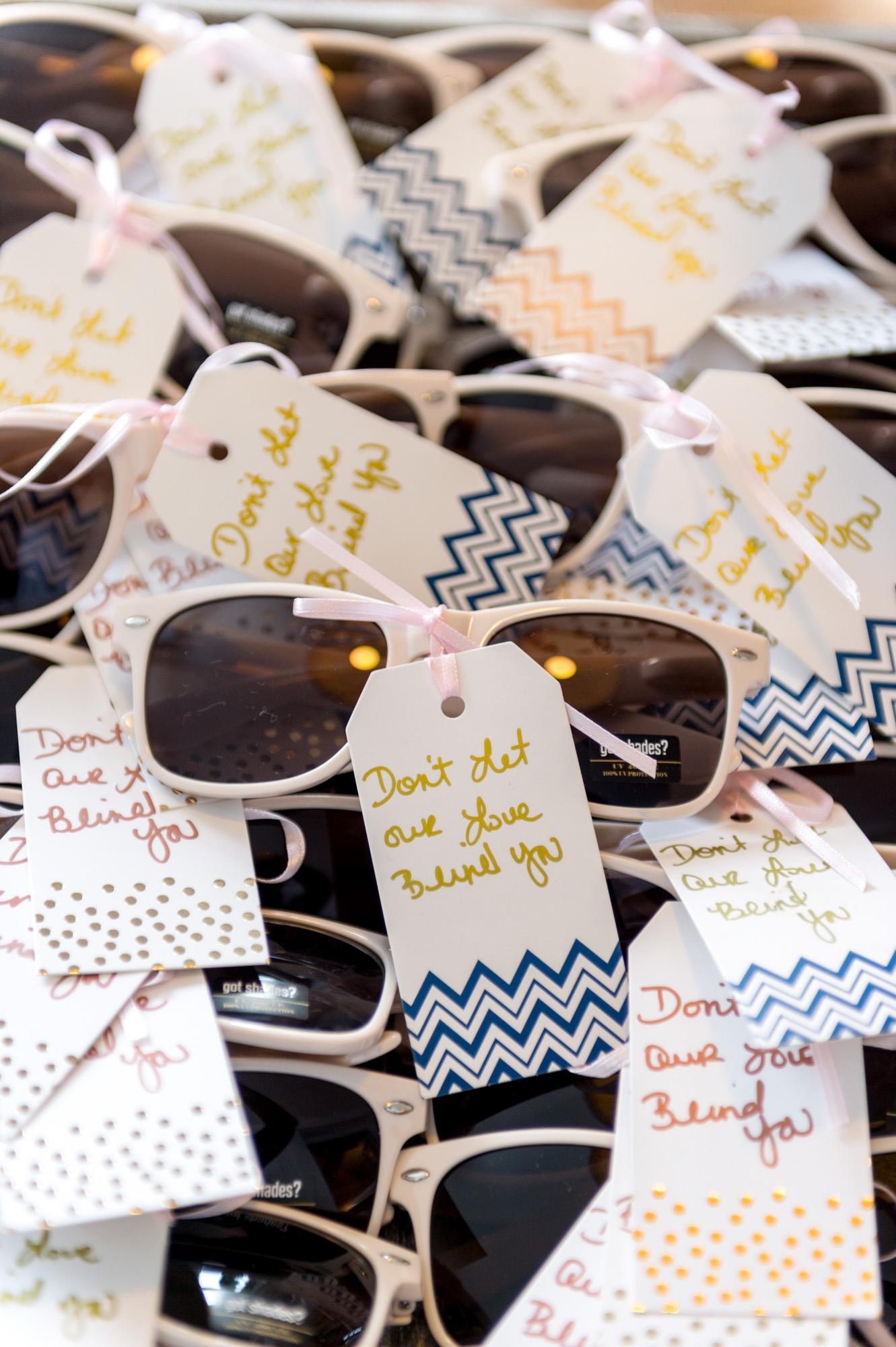 Γυαλιά ηλίου για τους καλεσμένους του γάμου