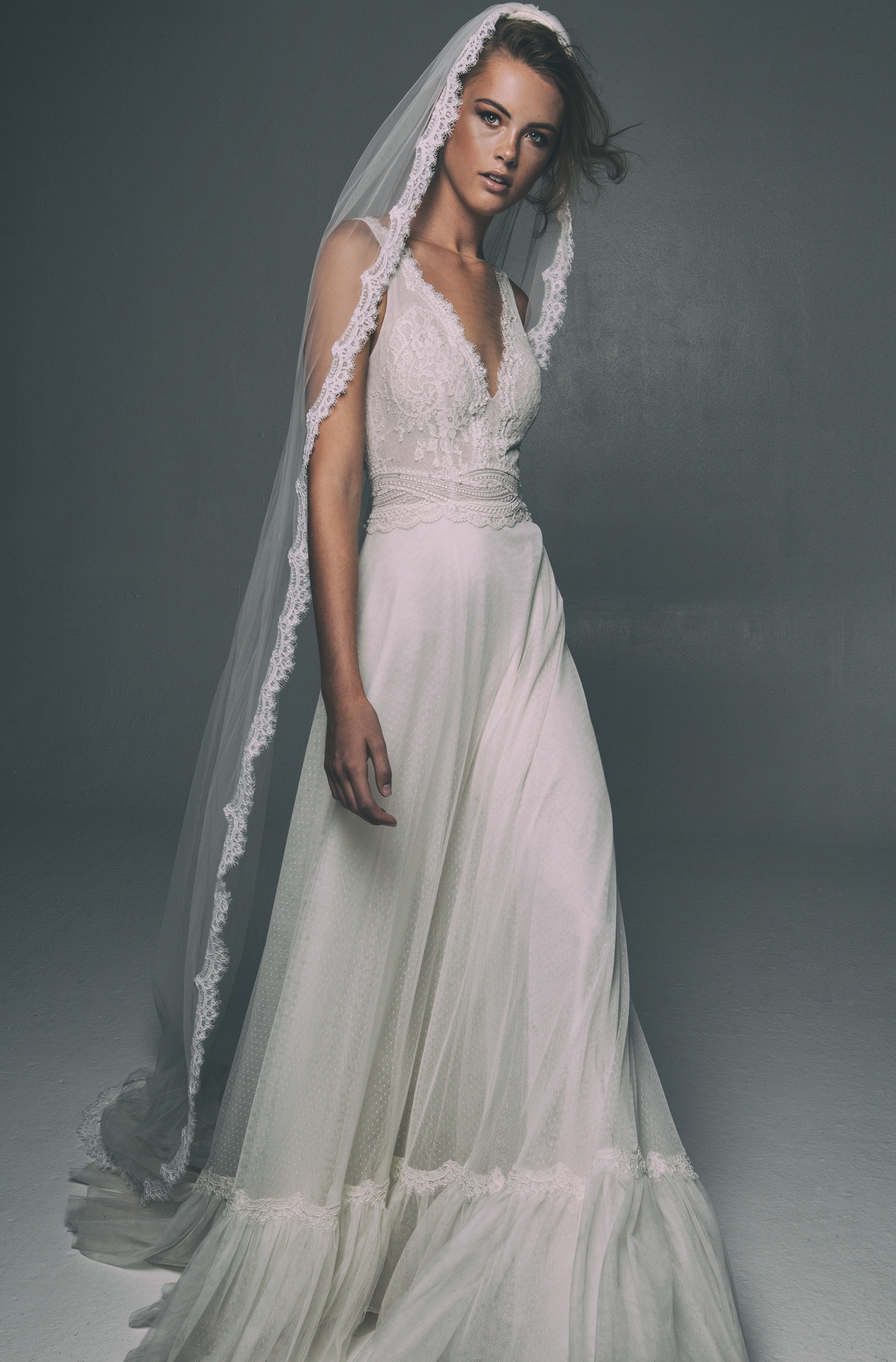 Bridal collection Fall 2018 by Mairi Mparola