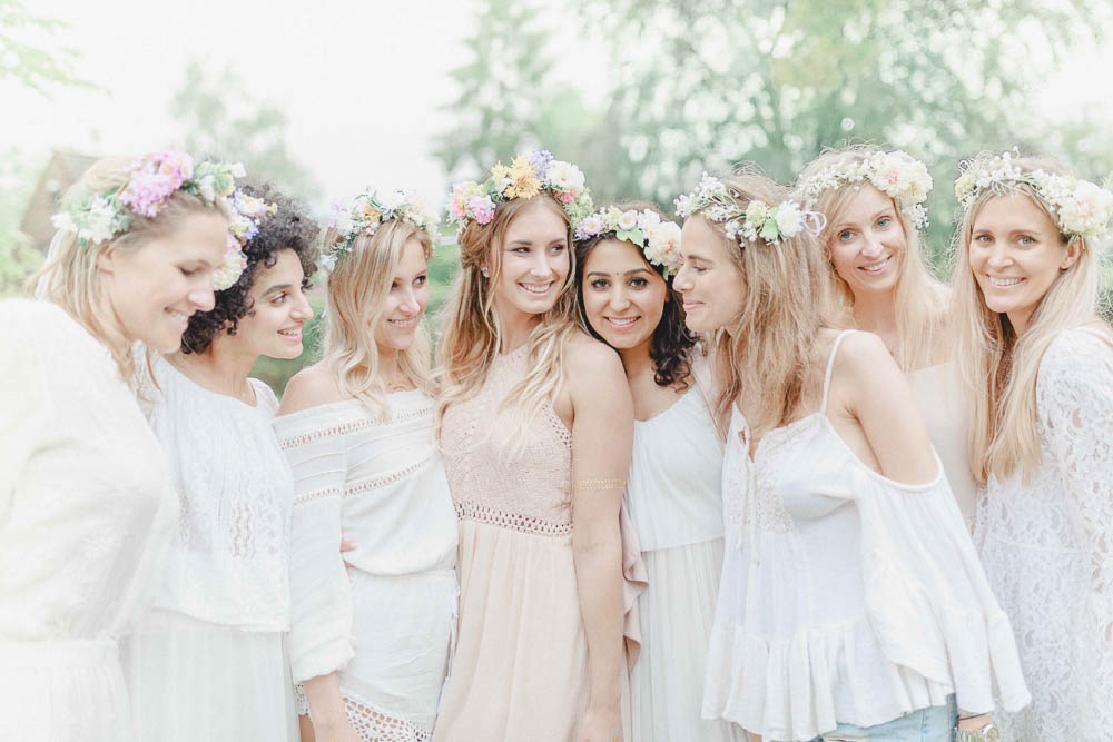 Flower workshop for a bohemian bachelorette party