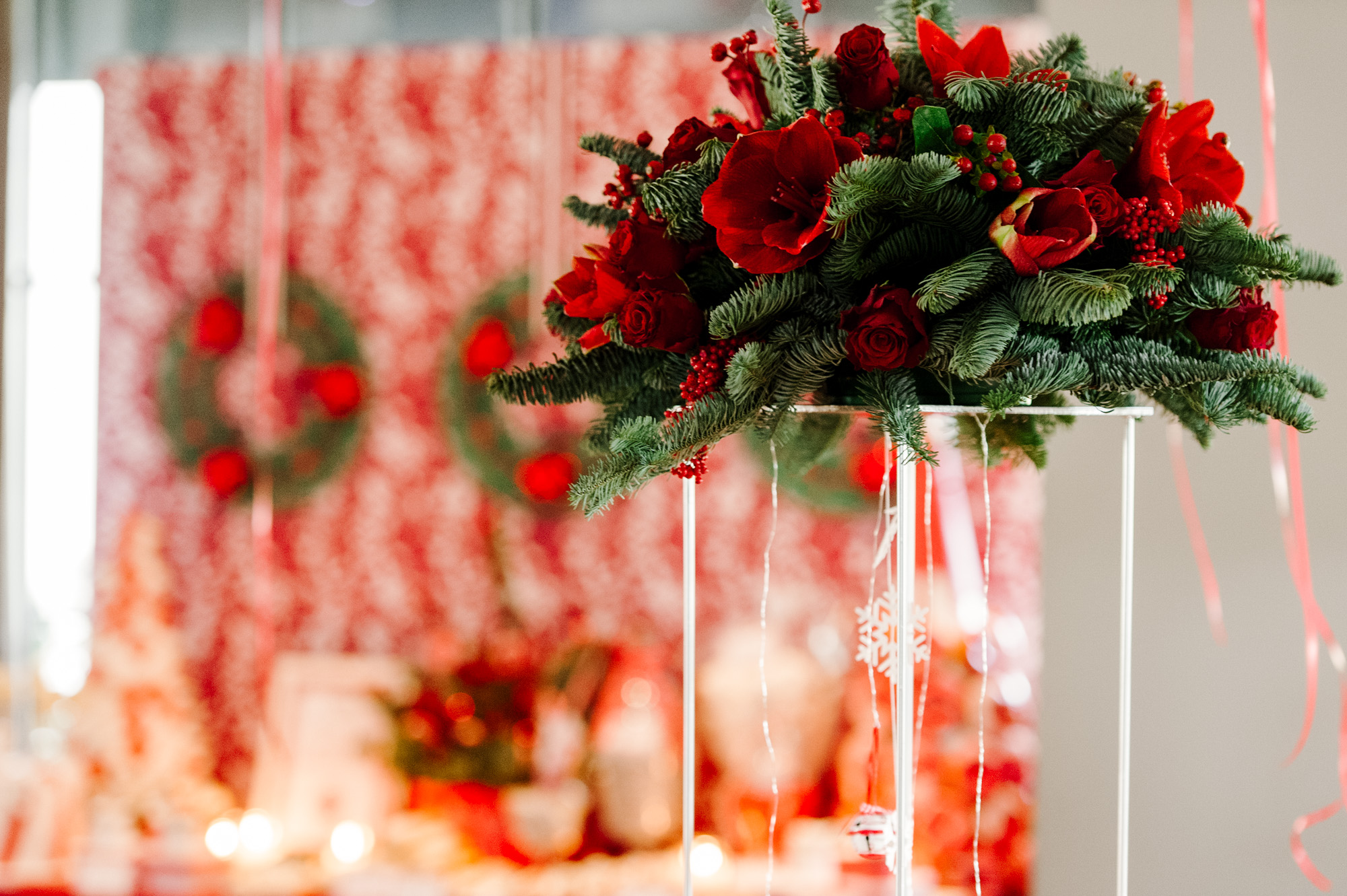 Christmas wedding in red & green shades