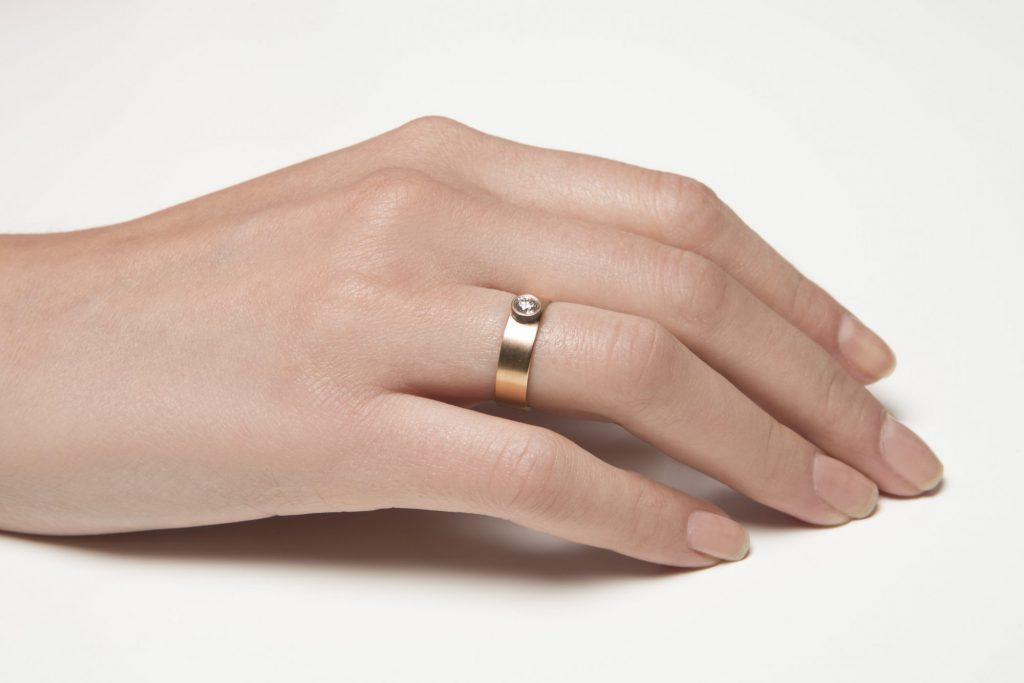 Ξεχωριστά μονόπετρα από την KK Jewelry Lab