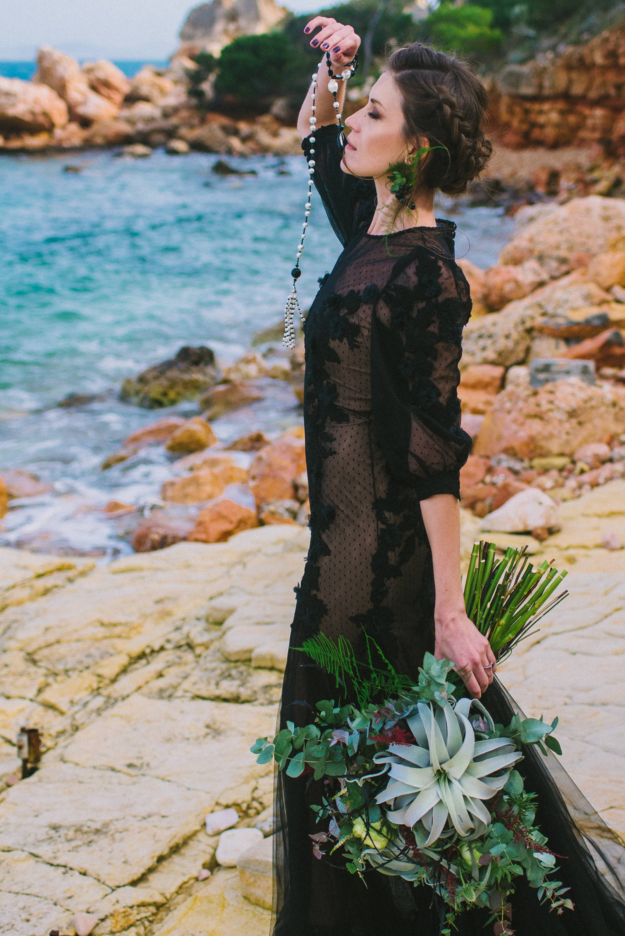 Elopement inspirational shoot with boho elements
