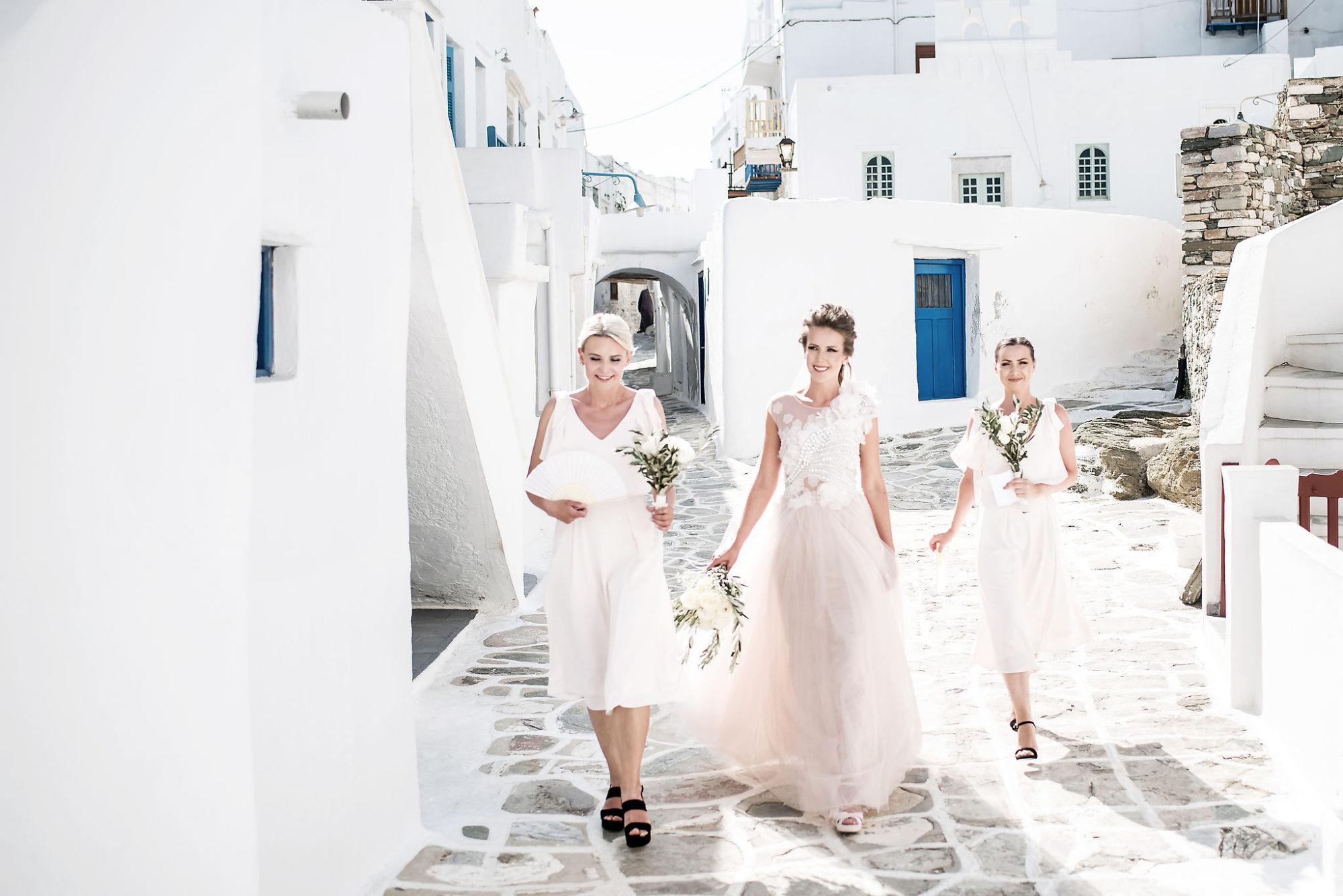 Romantic rustic wedding in Sifnos
