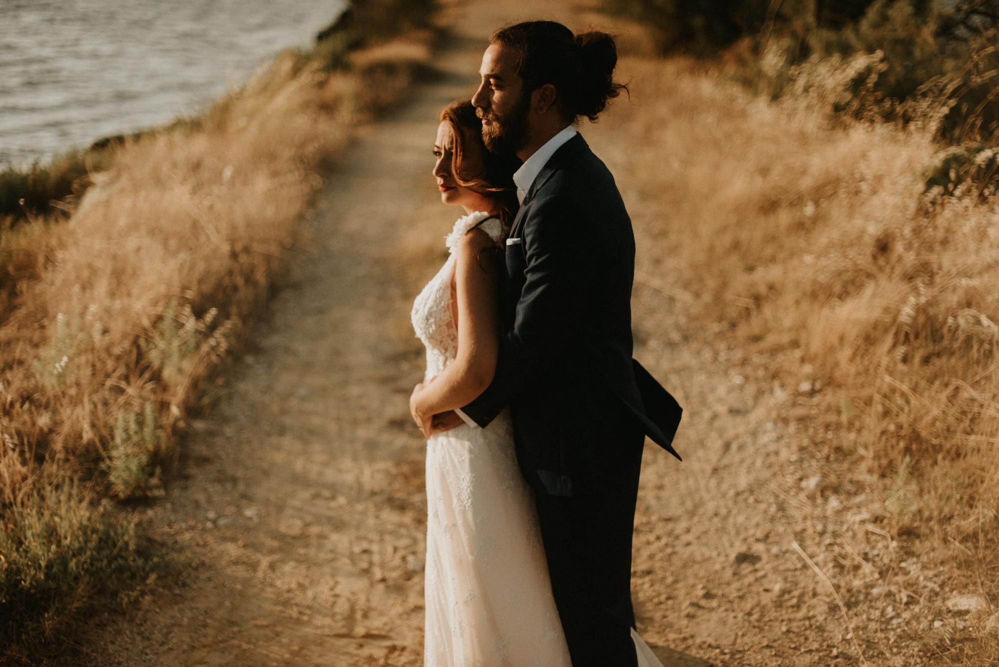 Όμορφος ρομαντικός γάμος με θέμα τη λεβάντα
