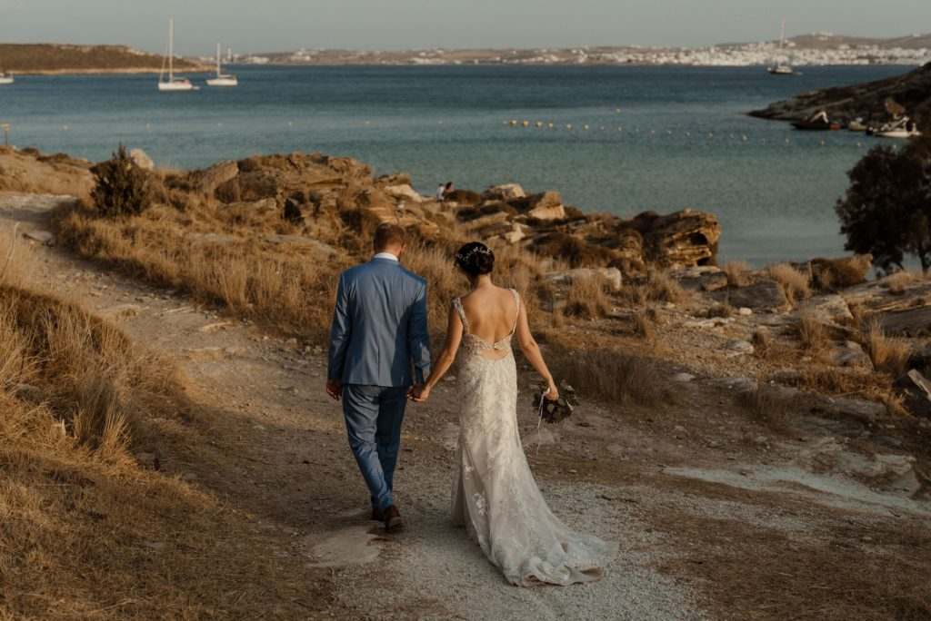 Καλοκαιρινός γάμος με ρομαντικά στοιχεία στην Πάρο