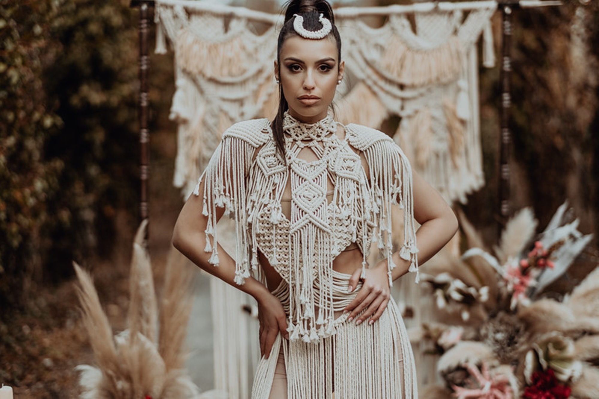 Oriental inspirational shoot with macramé elements