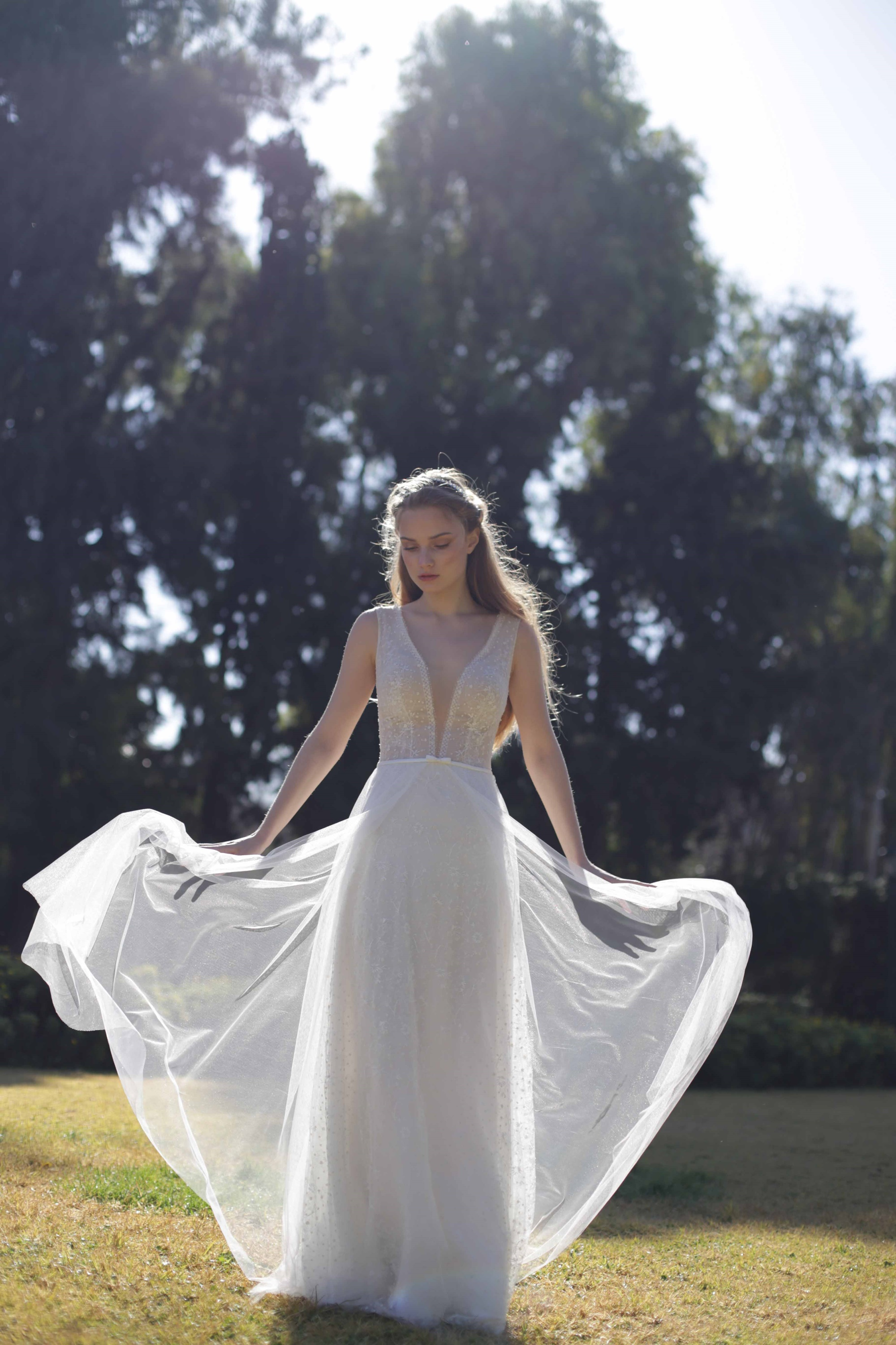 Stunning romantic wedding dresses by Eleni Kollarou