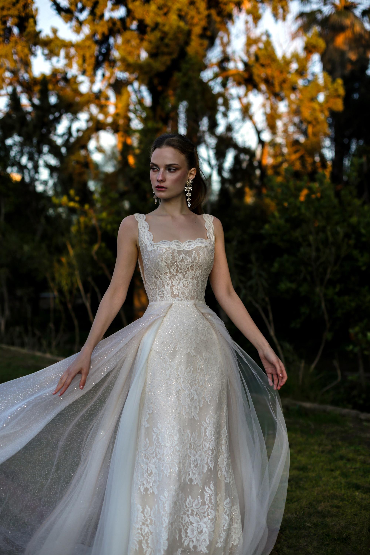 Υπέροχα ρομαντικά νυφικά Eleni Kollarou