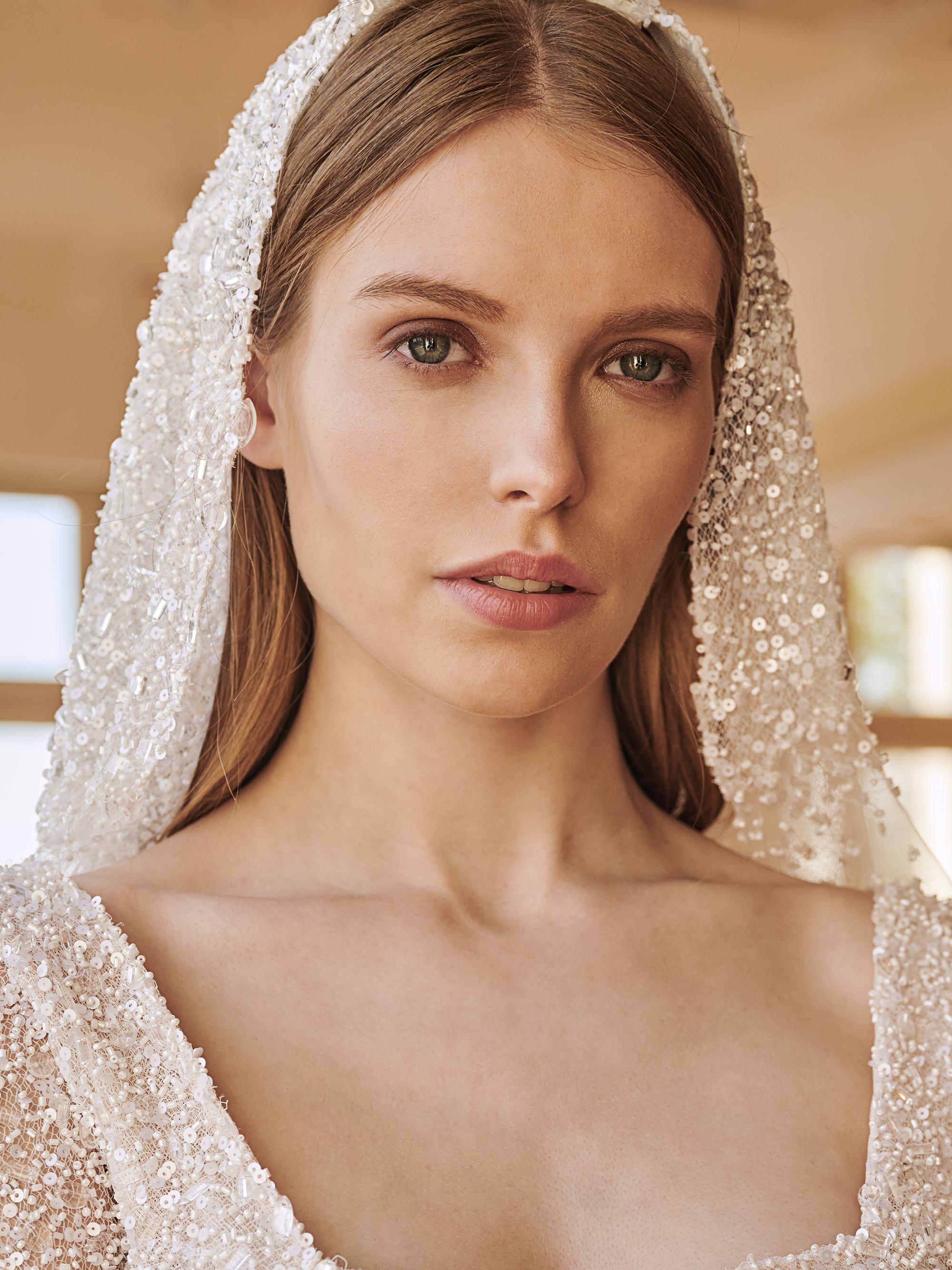 Stunning wedding dresses by Mairi Mparola